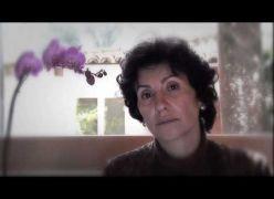 Cassia Kiss lê mensagem de Emmanuel - Chico Xavier