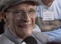 Emocionante - Chico Xavier aos 90 anos é nomeado o Mineiro do Século - Vídeo Histórico