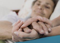 Prece Espírita Pelos Enfermos - Senhor, Estende Tua luminosa mão sobre os que se encontram doentes...