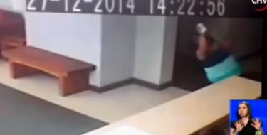 Vídeo mostra mulher supostamente sendo empurrada por um