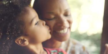 Música nova de Ana Vilela faz qualquer mãe chorar (tão linda quanto Trem-Bala!)