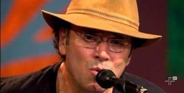 Almir Sater revela que a música Tocando em Frente foi psicografada (Veja o vídeo)