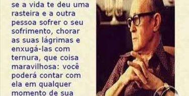 Quando encontrar alguém (Carlos Drummond de Andrade)