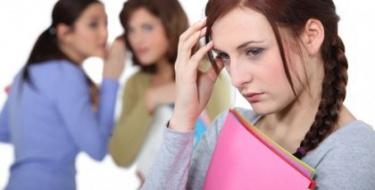 Porque te impacientares tanto com as opiniões alheias desfavoráveis? (Chico Xavier)