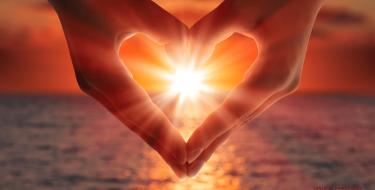 Seja a luz do amor a força para prosseguirmos...